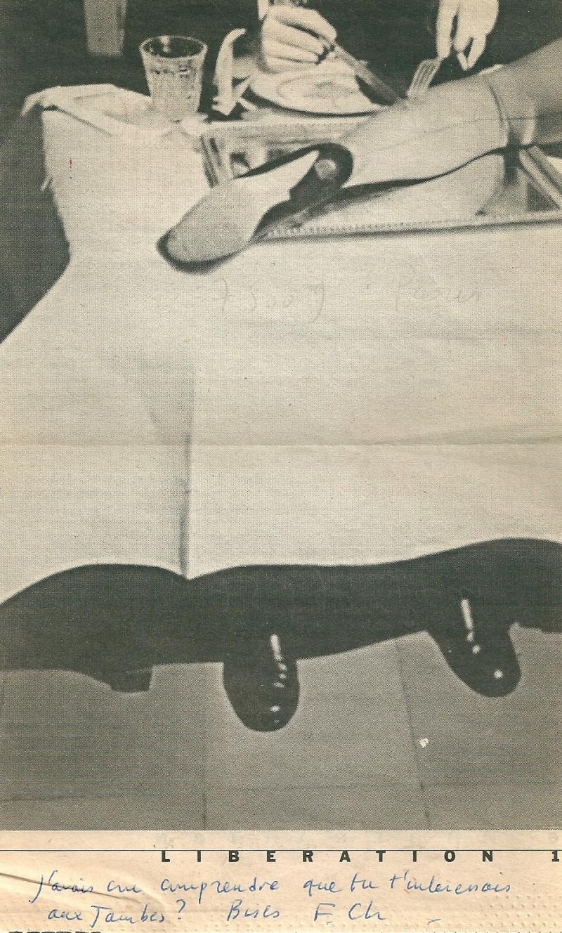 8g. Libération. Pierna comida. La jambe au menu. Photo en couleur de Ouka Leele. Libération 1998. @Agence Vu.