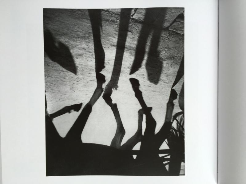 37. Les configurations inédites  dans Toute photographie fait énigme de Michel Frizot. Editions Hazan 2014. @Albert Monier  L'écriture de la lumière  vers 1960  28 3x23 8 cm. jpg